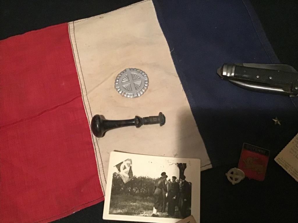 pantalon salopette mod 38 et insigne équipes nationales 14cbc210