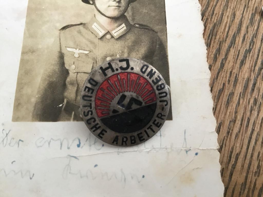 Insigne HJ 1er type et medailles sport Image61