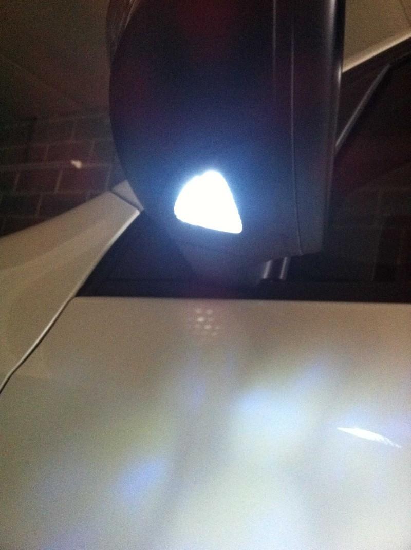 Changement ampoule sous Rétroviseurs par des Leds - Page 2 Img_0414