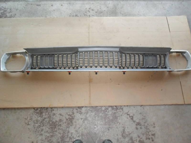 Recherche grille Duster (sharktooth) TROUVÉ 43258110