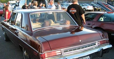 plymouth valiant 1975 a vendre Valian11