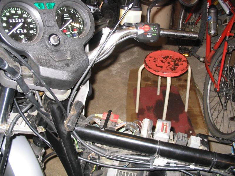 [R65 LS] Poignée de gaz ne revient pas automatiquement Img_0010
