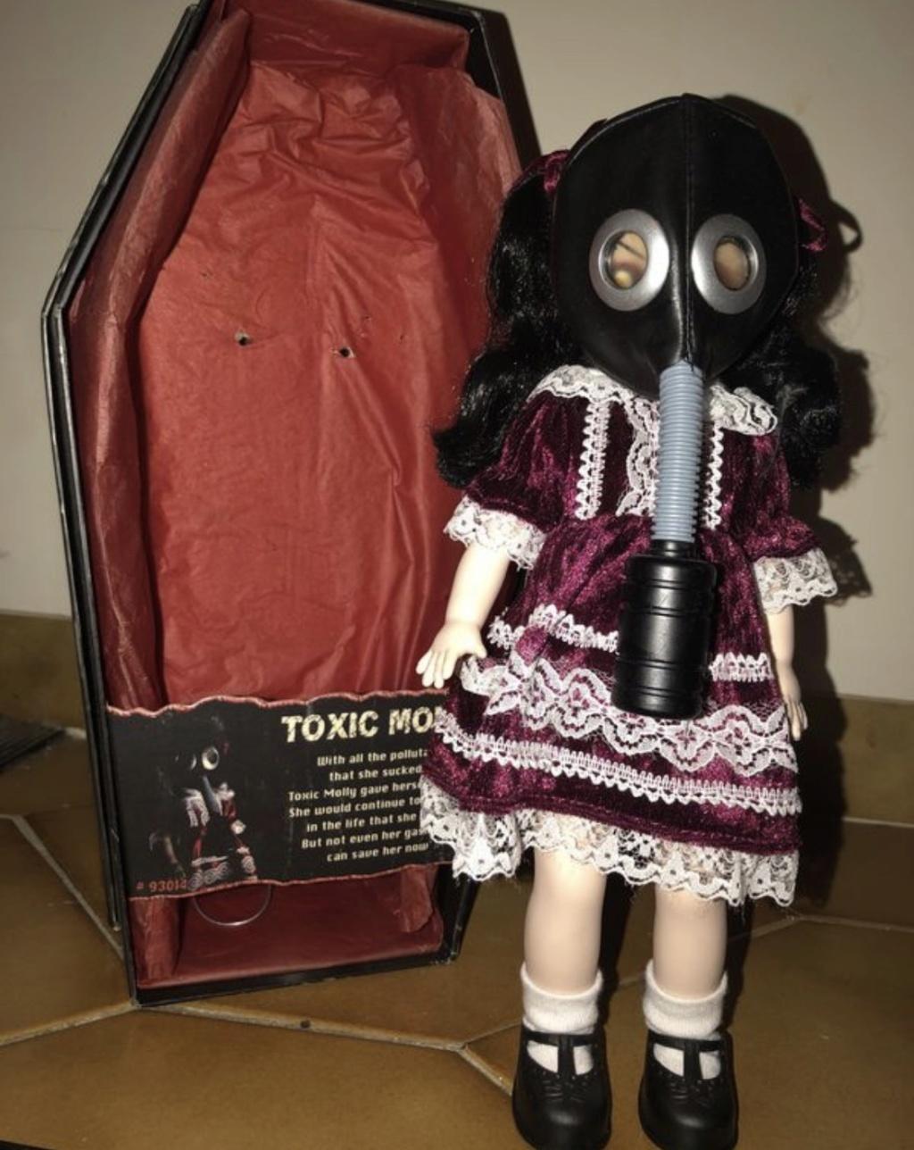 [VENDS] Living Dead Dolls (modèles rares) B6b02b10