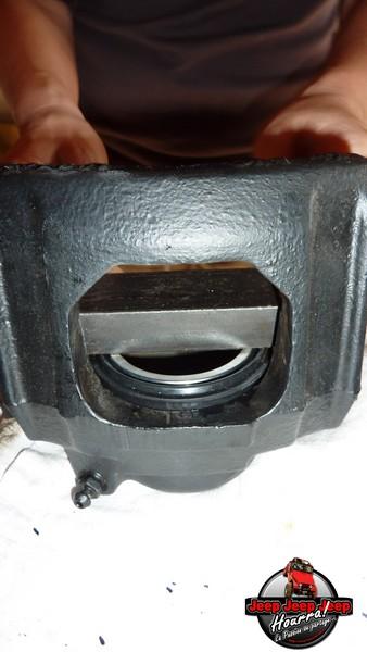 Maïté pistonne ses freins avant... (CJ7 82-86) P1050841