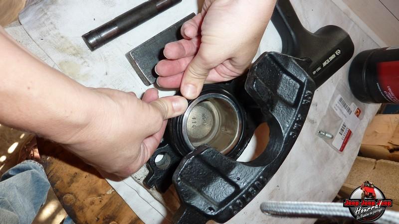 Maïté pistonne ses freins avant... (CJ7 82-86) P1050842