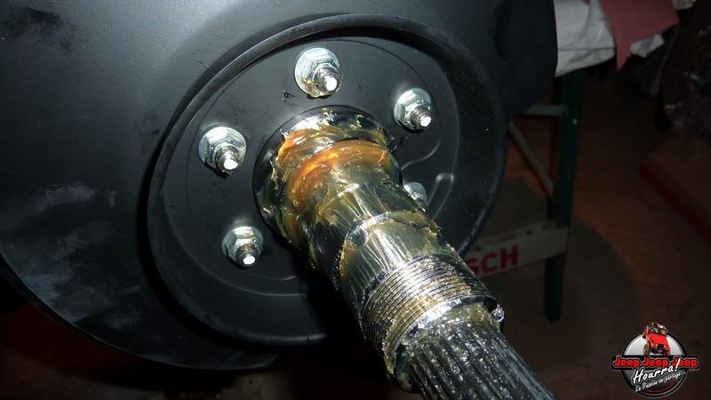 couple de serrage et ecrou des supports d'étriers P1050917