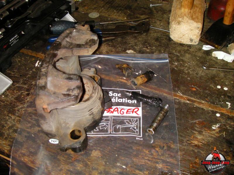 Maïté pistonne ses freins avant... (CJ7 82-86) Sany0010