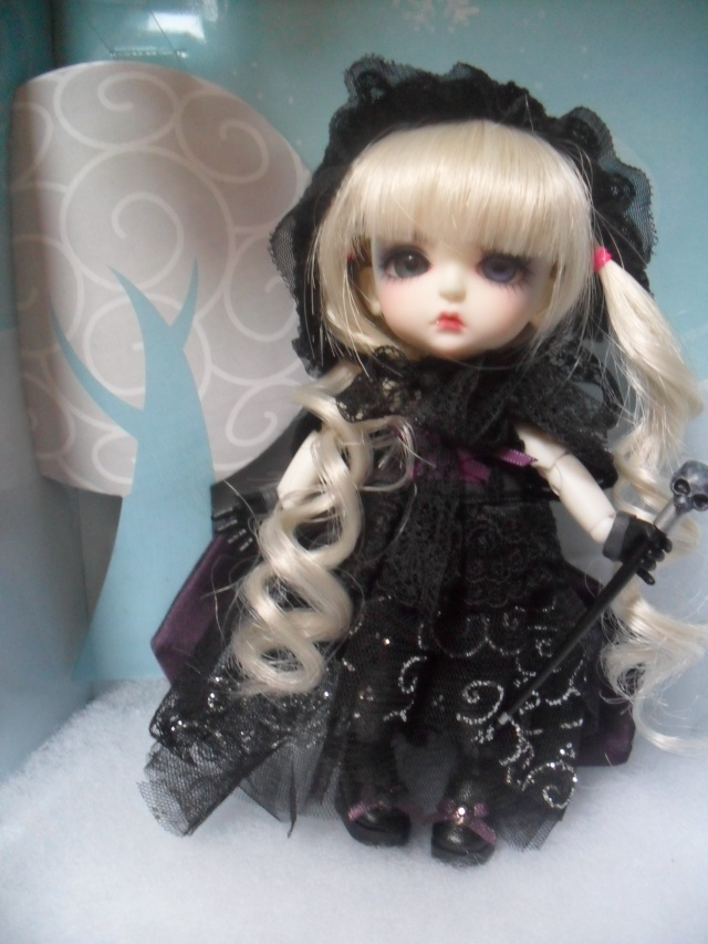 Yellow - Limited 2010 H.K Bloody Moon - Lea Sam_7310
