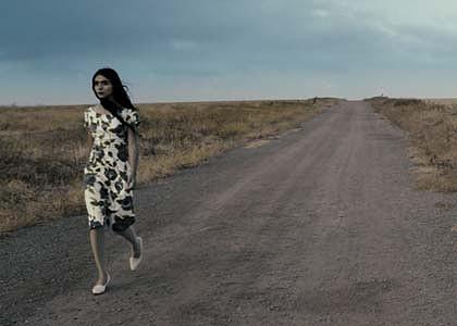 Shirin Neshat - Page 2 Women-10