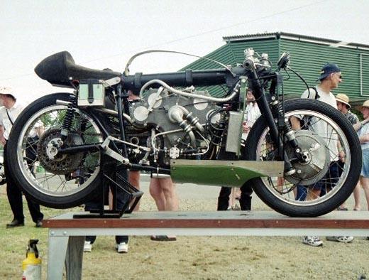 moto storiche  V8lato10