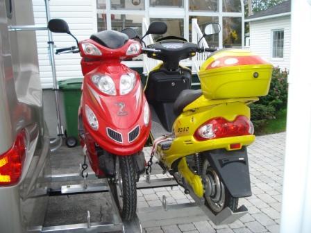 VENDU - Rack et vélos électriques (scooters) à vendre  Mopet_11