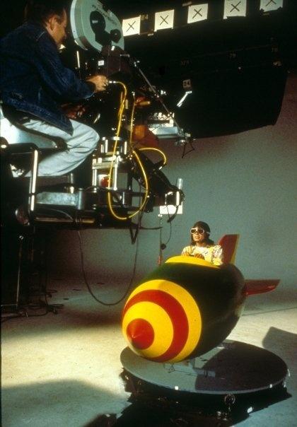 Photos Making of des clips de MJ ! - Page 4 710