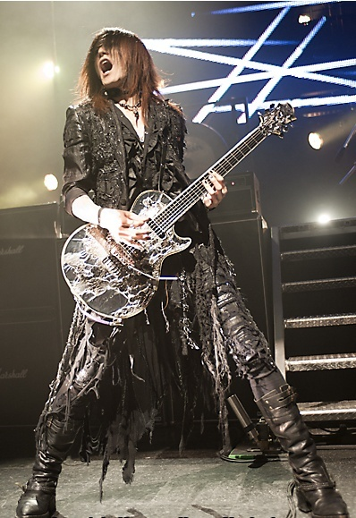 Photos de Sugizo - Page 5 Chicag32