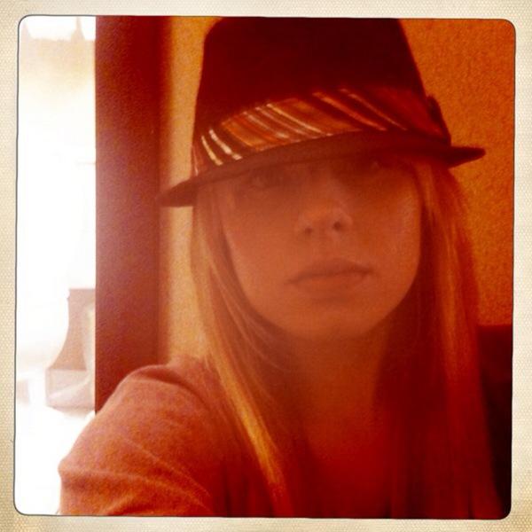 Orianthi's Twitpics 13017110