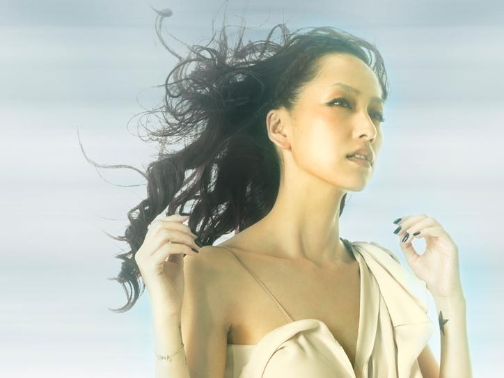 Nakashima Mika - LOVE IS ECSTASY (Single) 14.09.2011 - Page 2 Top4x10