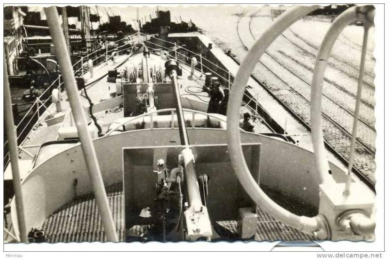 Cartes postales de bateaux - Page 3 Ltbill10