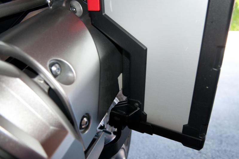 Fixation des valises d'origine sur la XTZ1200 First Edition _dsc0424