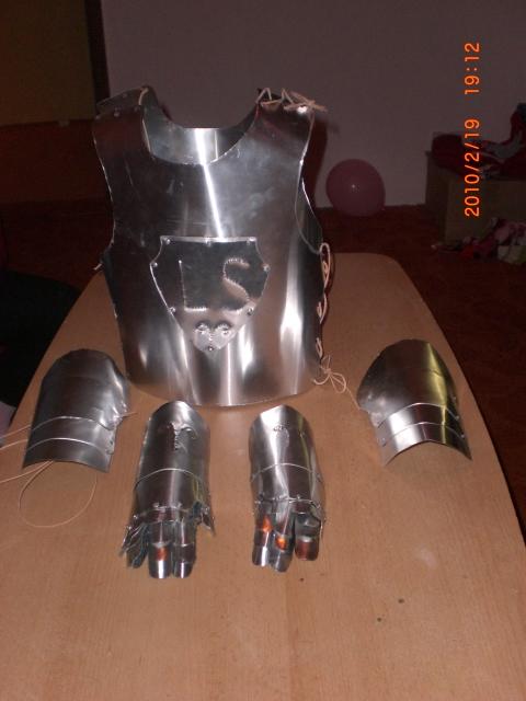Ritterrüstung für 4 jährigen aus Alu  Kita_f10