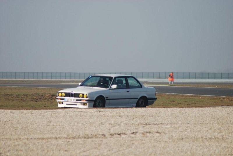 BMW 318 is E30 : the black track machine ... Dsc_1610