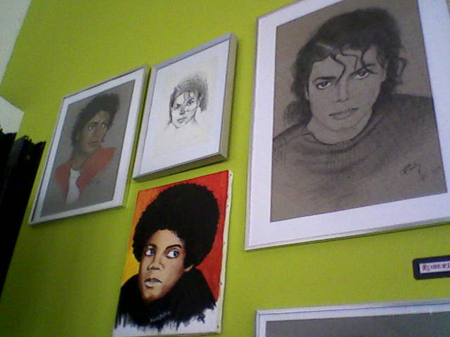 [RESOCONTO] Mostra a Milano dedicata a Michael Jackson - Pagina 12 Fotogr18