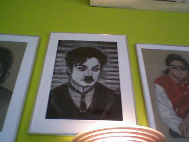 [RESOCONTO] Mostra a Milano dedicata a Michael Jackson - Pagina 12 Fotogr19