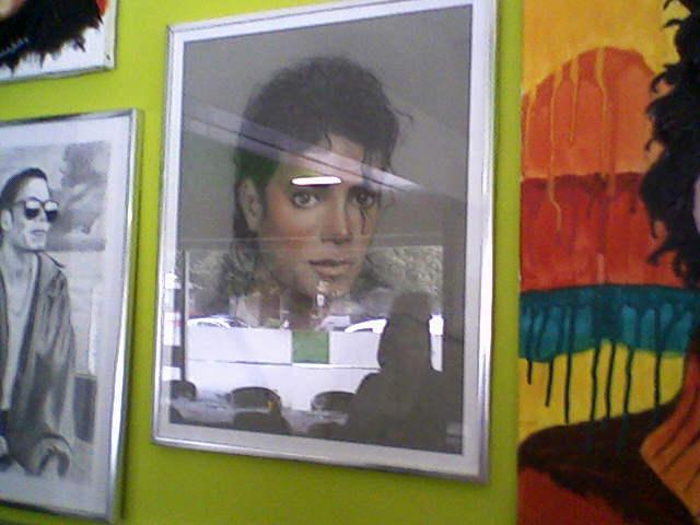 [RESOCONTO] Mostra a Milano dedicata a Michael Jackson - Pagina 12 Fotogr21