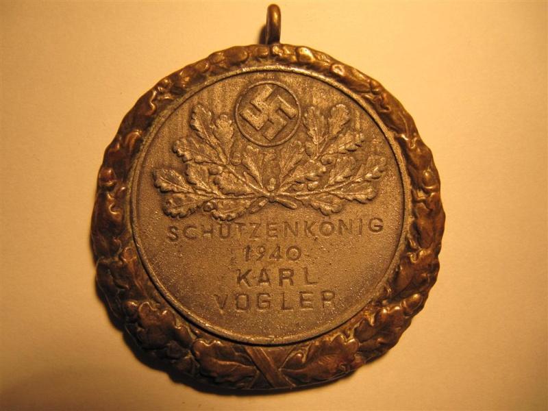 les médailles de tir , des ouvrages et manuels Img_2737