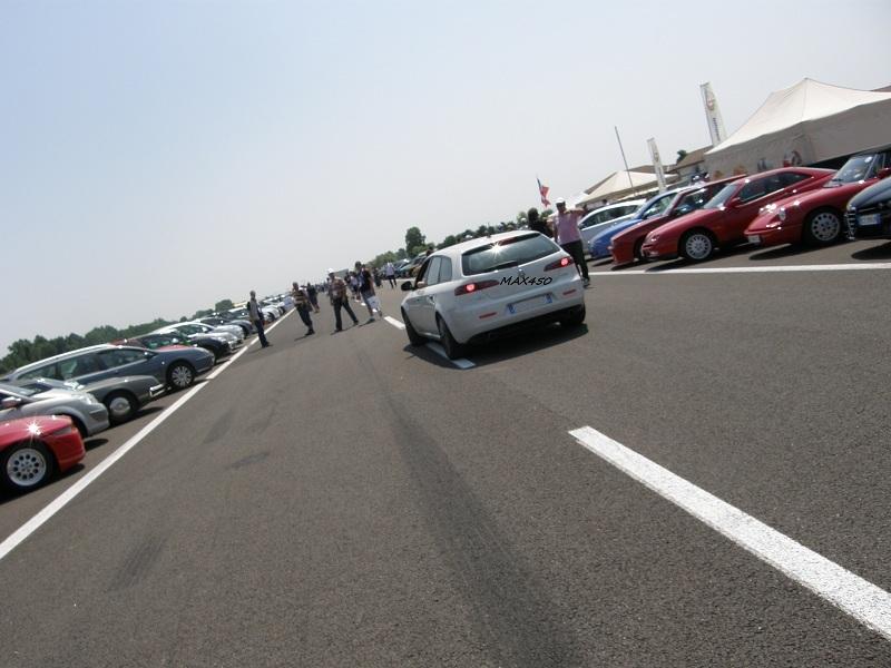 IL RADUNO DEI RADUNI DI QUATTRORUOTE 2011: FOTO E RACCONTI DI UN EVENTO INCREDIBILE. - Pagina 2 Raduno25