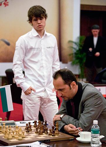 Nanjing R08: Anand threatens to win, all games drawn Nanjin13
