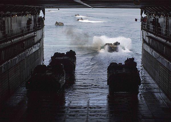 [interarmées] La force amphibie japonaise Aa7v10