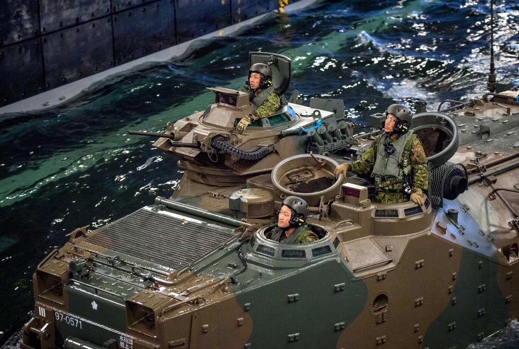 [interarmées] La force amphibie japonaise - Page 2 Aav710