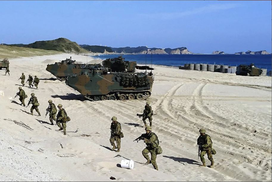 [interarmées] La force amphibie japonaise - Page 2 Aav711