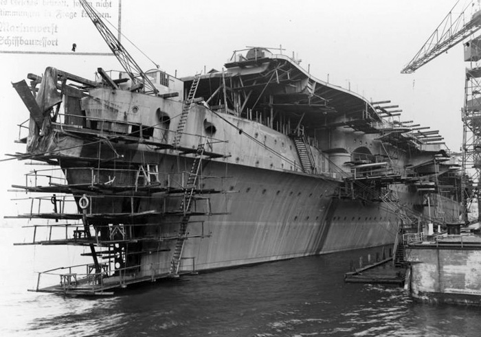 Porte-avions allemands Atla110