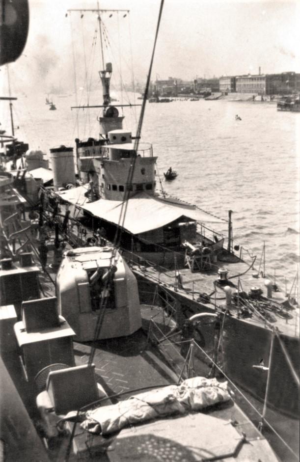 Destroyers italiens (Cacciatorpedinière) - Page 2 Espero10