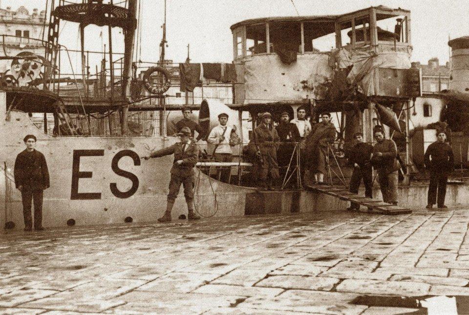 Destroyers italiens (Cacciatorpedinière) - Page 2 Espero12