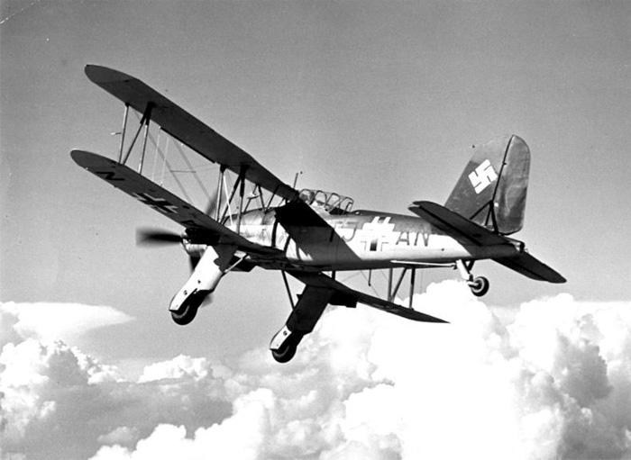Porte-avions allemands Fi110