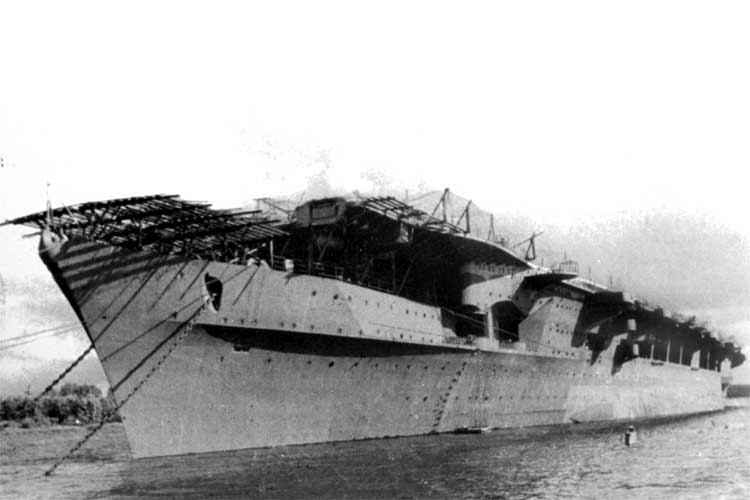Porte-avions allemands Flot310