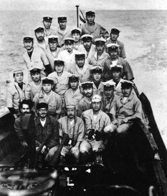 Les sous-marins japonais jusqu'en 1945 - Page 3 I29_2810