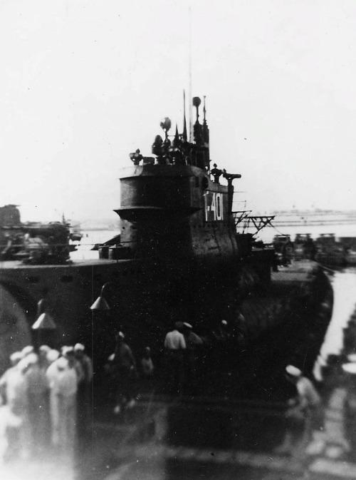Les sous-marins japonais jusqu'en 1945 - Page 3 I401_t10