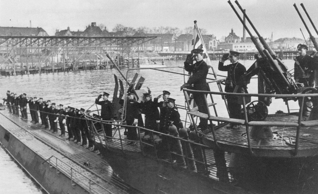 Les sous-marins japonais jusqu'en 1945 - Page 4 Kiel_210
