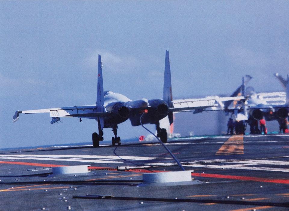 Porte-avions chinois - Page 3 Liaoni12