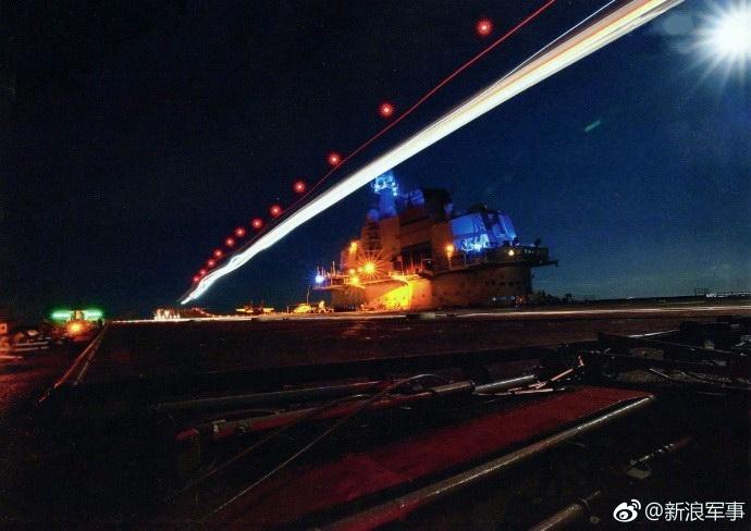 Porte-avions chinois - Page 3 Liaoni14