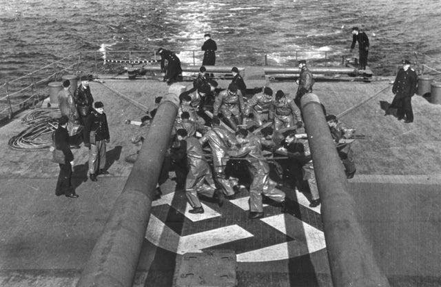 Croiseurs allemands - Page 5 Pe10