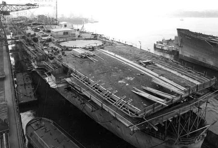 Porte-avions allemands Pe110