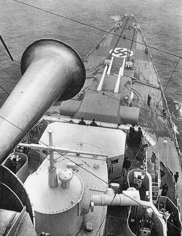 Croiseurs allemands - Page 5 Prinze12