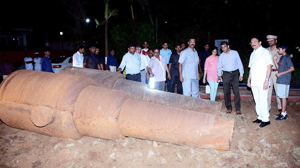Les canons de Bombay Raj410