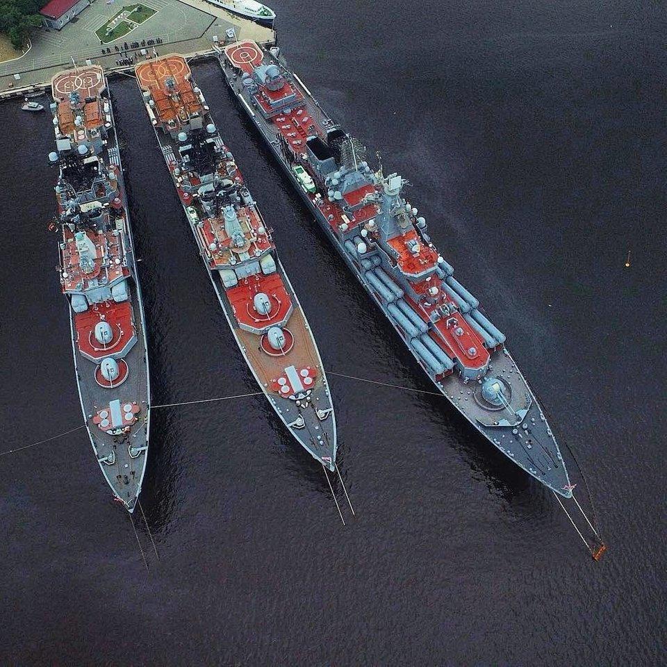 Croiseurs russes/soviètiques  - Page 3 Slava_10