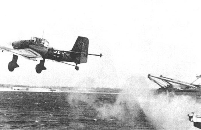 Porte-avions allemands Stukat10
