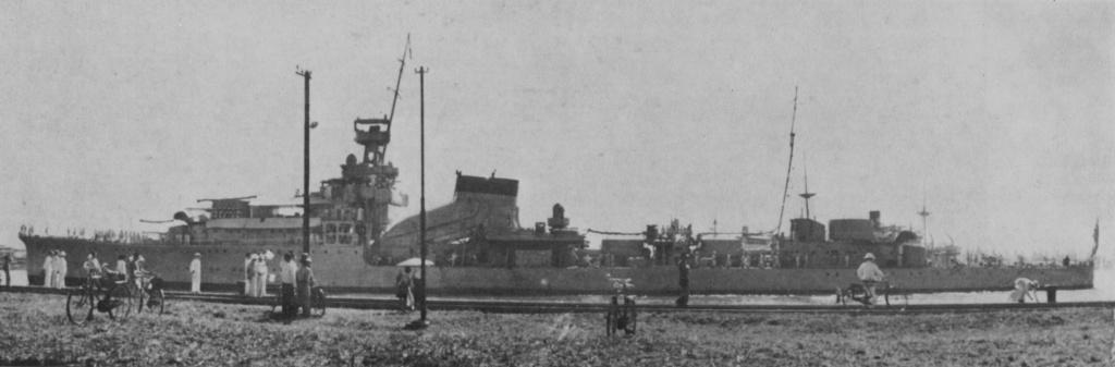 Croiseurs japonais - Page 5 Yubari10