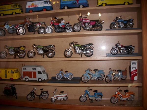 Cyclomoteurs en miniatures Miniat14
